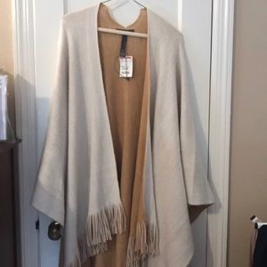 Vince Camuto Tan sweater poncho